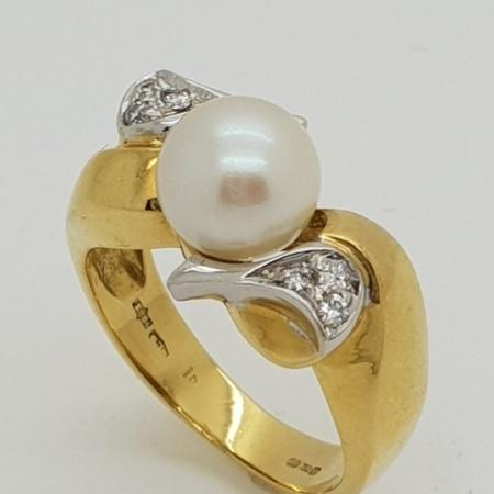Pearl Diamond Crossover