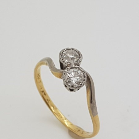 Platinums Diamond Twist Ring