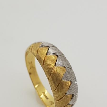 9ct Two Tone Ring