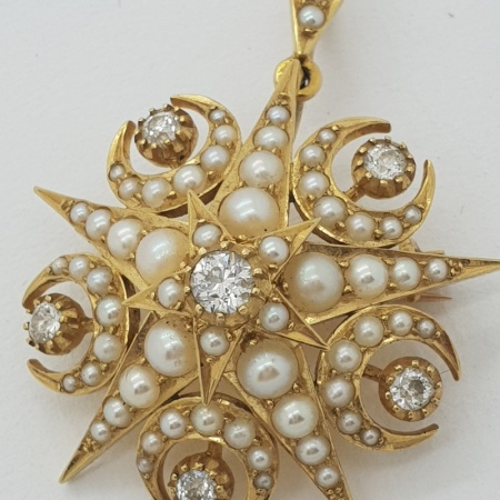 18ct Diamond/Seed Pearl Pendant