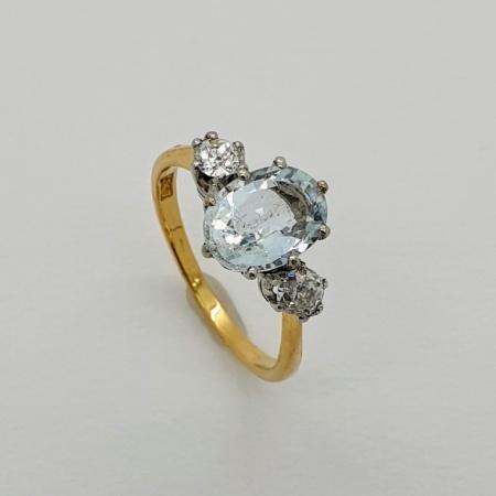 Crown set Aquamarine and Diamond