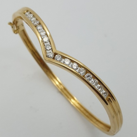 18ct YG Diamond Bangle