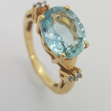 18ct YG Aquamarine Diamond
