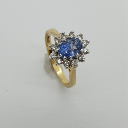 18ct Sapphire Cluster