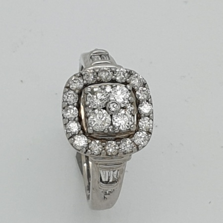 Diamond Solitaire Ring in White Gold