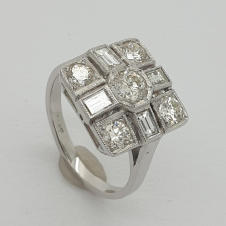 18ct WG Square Cluster