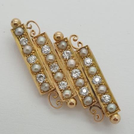 18ct Diamond Pearl Brooch