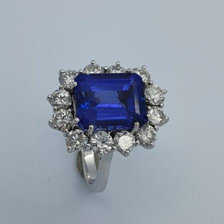WG Tanzanite Diamond Cluster Cocktail Ring