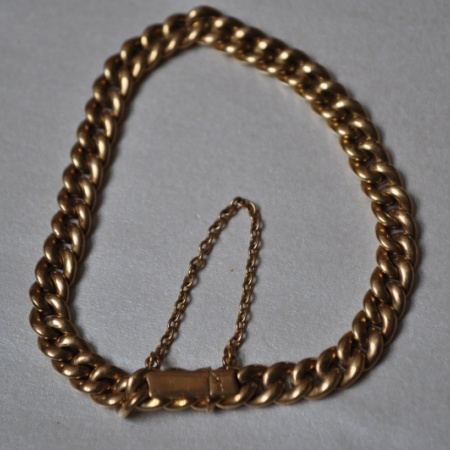18ct Yellow Gold Curb Bracelet