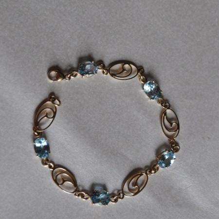 9ct Gold Topaz Bracelet