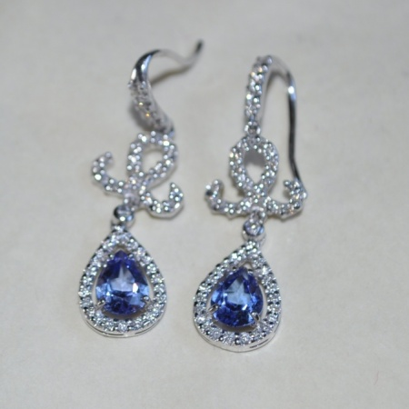 18ct White Gold Tanzanite/Diamond Drop