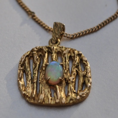 9ct Opal Pendant