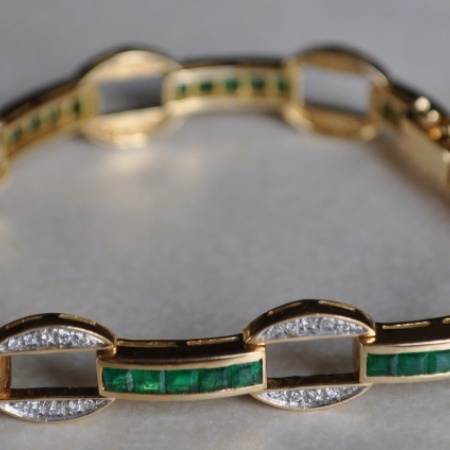 18ct Emerald and Diamond Bracelet