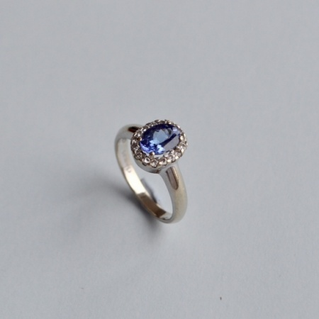 18ct Tanzanite Diamond