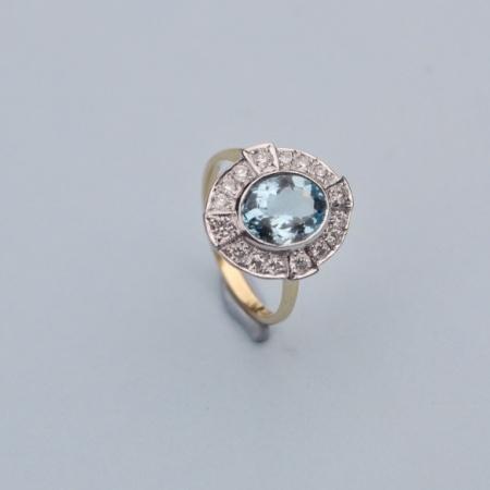 18ct Aquamarine Diamond Cluster