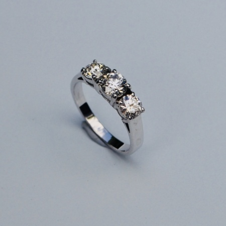 18ct White Gold Trilogy