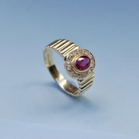 14ct Ruby Diamond Ring